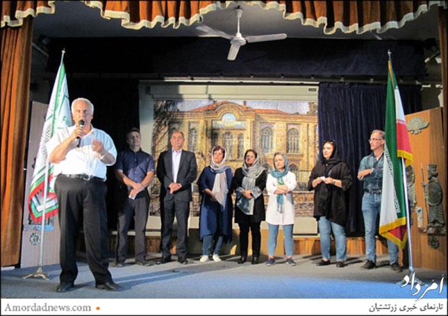 از راست: ژورس انجیلیان، ریما توملکیان، مهرناز خسرویانی، مهناز هرمزدی، نغمه میزانیان، مهرداد کاویانی، آندره آواکیان، بوذرجمهر پرخیده