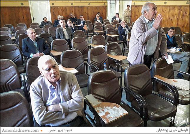 چهره ایستاده: بهرام خسروی، سخنران دقایق پایانی نشست پرسش و پاسخ انجمن زرتشتیان تهران