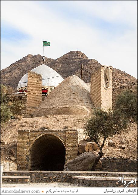 مسجدی که روبهروی زیارتگاه پارسبانو ساخته شده است