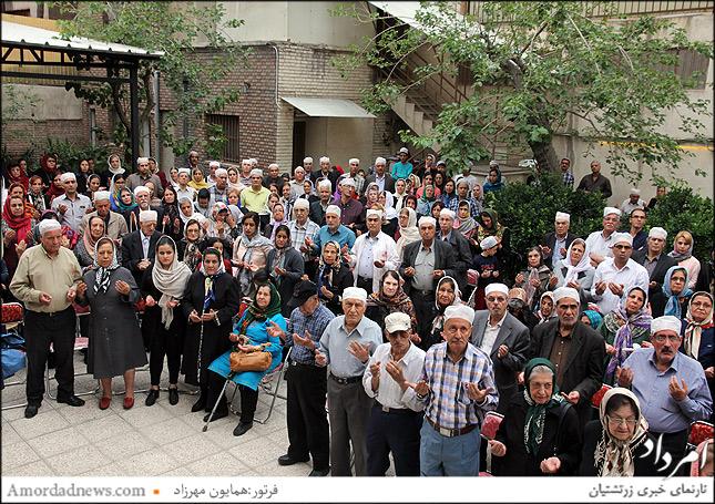 چندین تن از زرتشتیان تهران با این آیین همدل و هم بهره بودند
