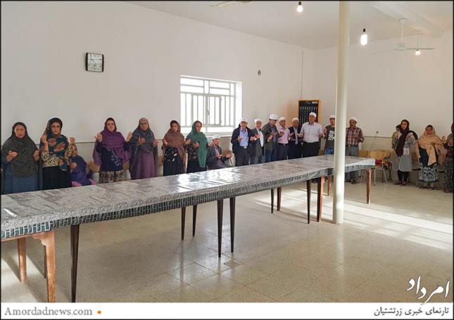 نیایش شماری از زرتشتیان به مناسبت بهرهبرداری از چاه ارامگاه یزد