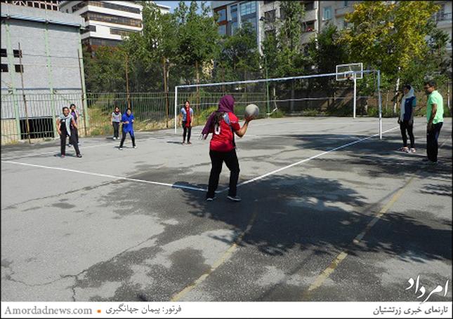 پیکارهای دوستانهی داژبال میان بانوان ورزشکار کانون دانشجویان زرتشتی برگزار شد