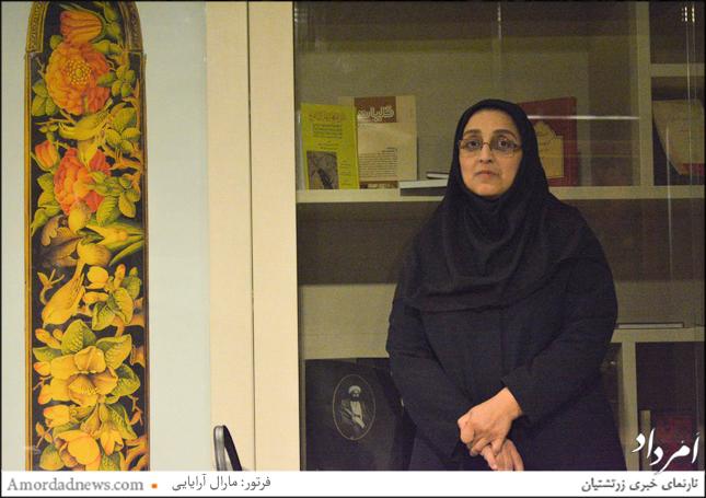 از هنرجویان نقاشی پشت شیشه در گنجخانه ملک