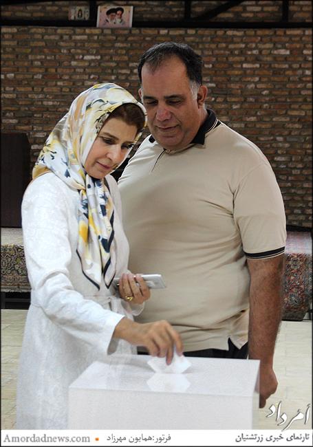 جمشید دارابیان، هموند انجمن زرتشتیان تهران-روشن گشتاسبی، آموزگار ذینی دبستان دخترانهی گیو