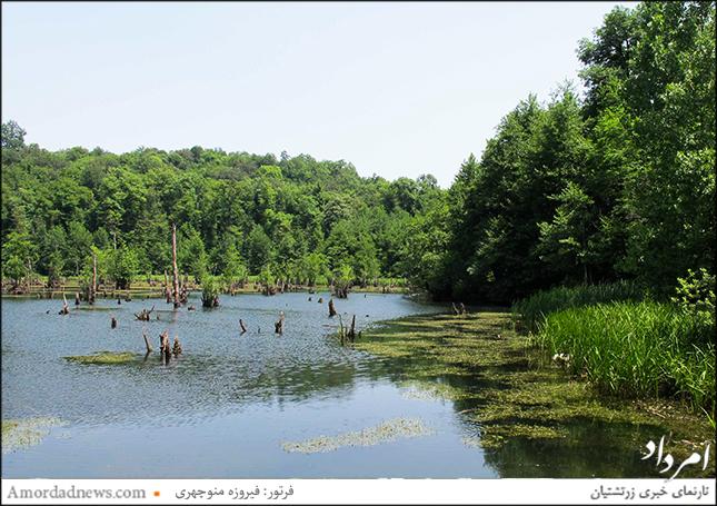 دریاچهی ارواح در میان طبیعتی سرسبز و بکر جای گرفته است