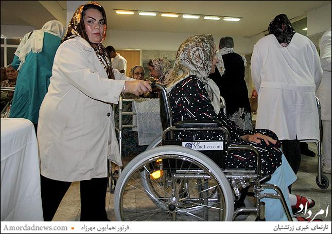 پرستاران سالمندان را همراهی کردند