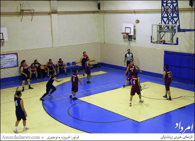 بازی دو تیم بسکتبال سازمان جوانان زرتشتی  و زارچ در از ساعت 21 در خانه بسکتبال برگزار شد.