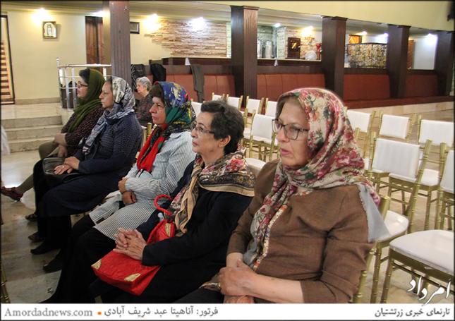 دکتر افسر افشار نادری، مشاور فرهنگی خانواده، سخنران این برنامه بود که سالم پیر شدن را حق همهی افراد دانست