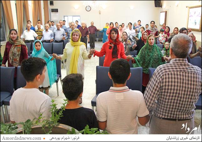 خواندن اوستای همازوربیم توسط باشندگان و به سرپرستی موبد رستم خسرویانی در جشن تیرگان شیراز