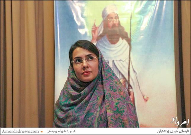 مهتاب گشتاسبی داستانخوانی آرش کمانگیر را در جشن تیرگان شیراز اجرا کرد
