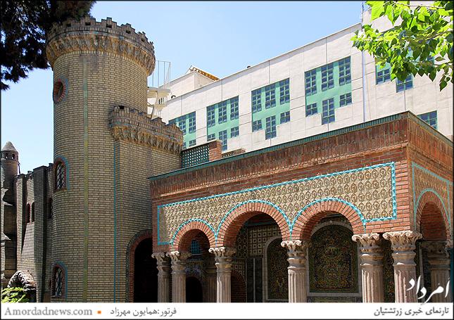برج موزه مقدم را محسن مقدم برای همسرش سلما که فرانسوی بوده است بنا میکند