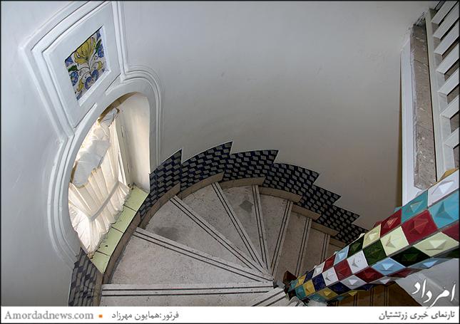 پله های میانی برج موزه مقدم