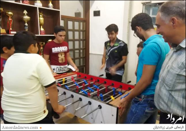 پیکارهای فوتبالدستی به کوشش انجمن یانشوران در سازمان و باشگاه جوانان زرتشتی یزد پیگیری شد