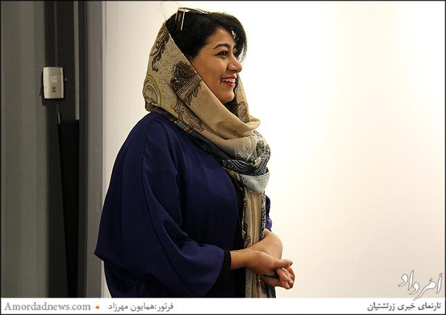 نازنین نانا والاجم نویسنده کتاب اسطوره های روشنایی ایران زمین