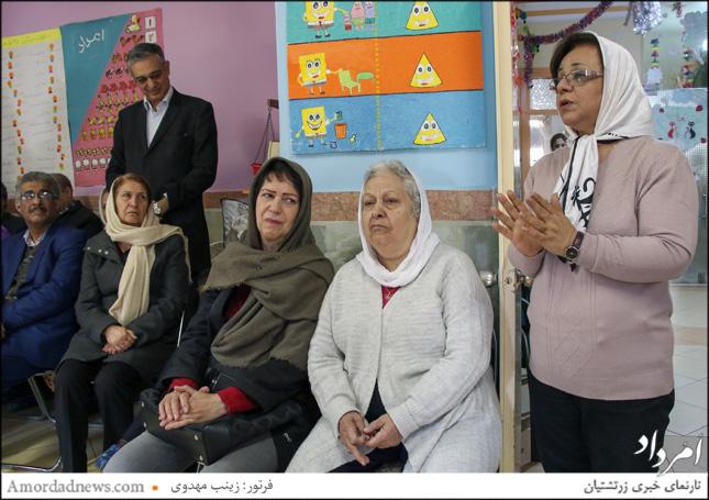 چهره از سمت راست: مهوش رستمی، مدیر مهدکودک دکتر بهرام پرورش