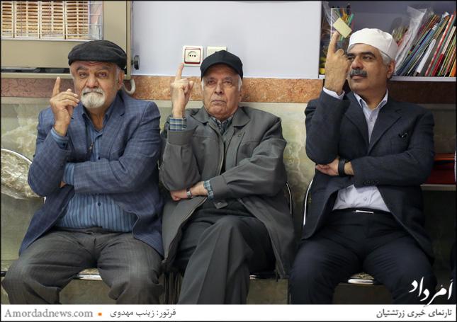 چهره از سمت راست: اسفندیار اختیاری، نماینده زرتشتیان در مجلس