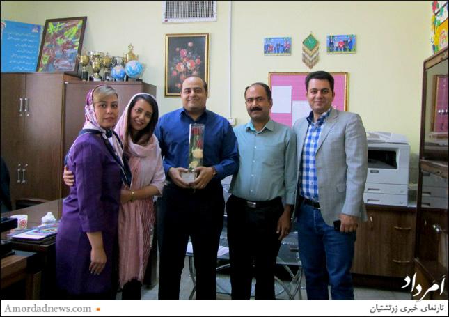 انجمن اولیا و مربیان از رامتین سلامتی مدیر دبستان دینیاری سپاسداری کرد