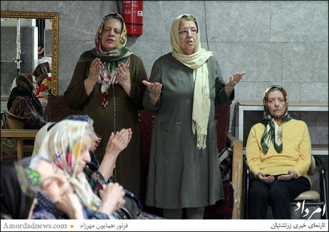 چهره سمت راست: تاج گوهر خداداد کوچکی مادر جانسپار فرهاد خادم