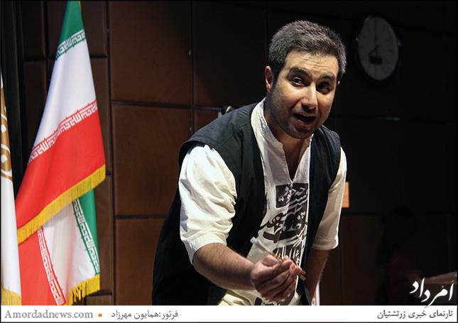 اجرای نمایش آرش از سوی فرزین طاهری
