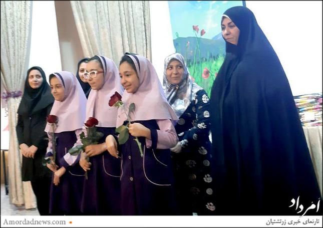 لیلا امجدی، مدیر دبستان دخترانهی دبستان گیو