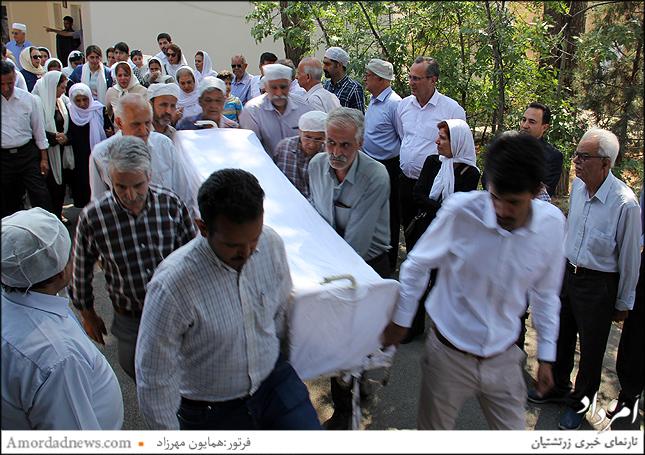 زندهیاد بهرام خسرویانی بیش از چهل سال از زندگانی خود را وقف هازمان زرتشتی کرد