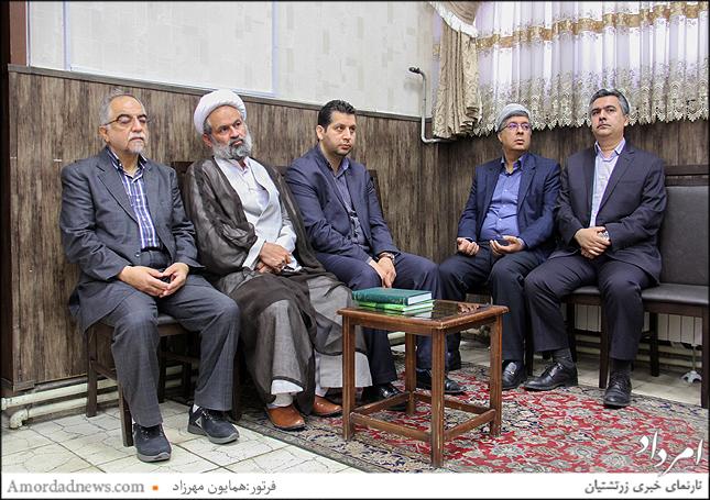 از راست: رامین خسروی،  نایب و افشین نمیرانیان فرنشین انجمن زرتشتیان تهران