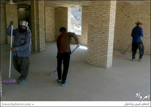 سپندینه زیارتگاه پیرسبز برای میزبانی از همکیشان در روزهای نیایش همگانی آمادهسازی میشود