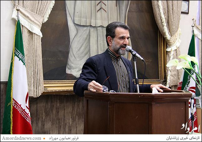 کاپیتان حسین شاهین نژاد به نمایندگی نیروی هوایی سخن راند