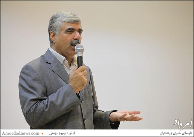 اسفندیار اختیاری، نمایندهی ایرانیان زرتشتی در مجلس