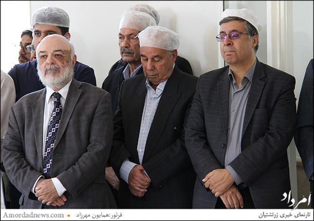 چهره اول راست: افشین نمیرانیان فرنشین انجمن زرتشتیان تهران