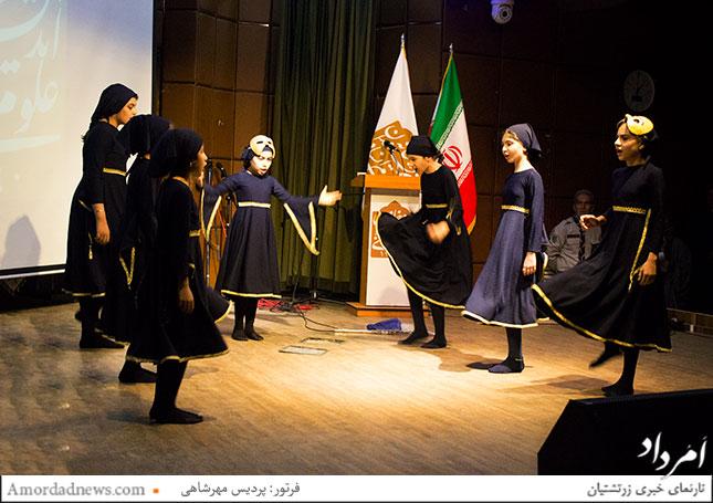 اجرای نقالی گروه شاهنامهخوانی ساراگل
