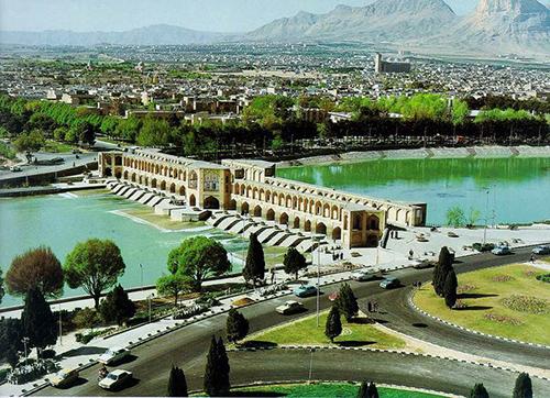 اصفهان از 180 تا 60 میلیون سال پیش دریا بوده است