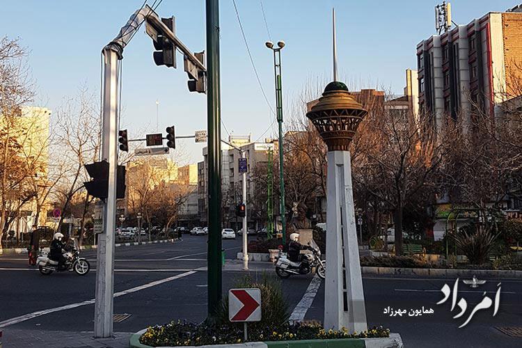 ماکت برج میلاد در تقاطع شریعتی - طالقانی