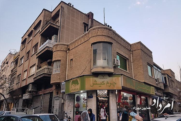 خیابان ارباب جمشید محله منوچهری از سمت خیابان منوچهری