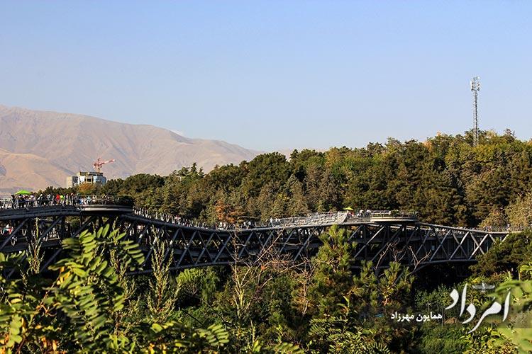 پل طبیعت بروی بزرگراه مدرس در منطقه عباس آباد