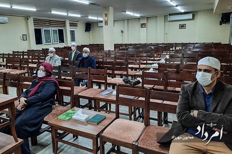 چهره سمت راست : رستم مزدیسنی فرنشین انجمن زرتشتیان تفت و توابع مقیم تهران