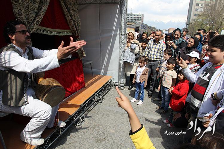 سفره آرایی و کارناوال نوروزی در سالهای قبل از بیماری همه گیری کرونا در میدان توپخانه- باب همایون