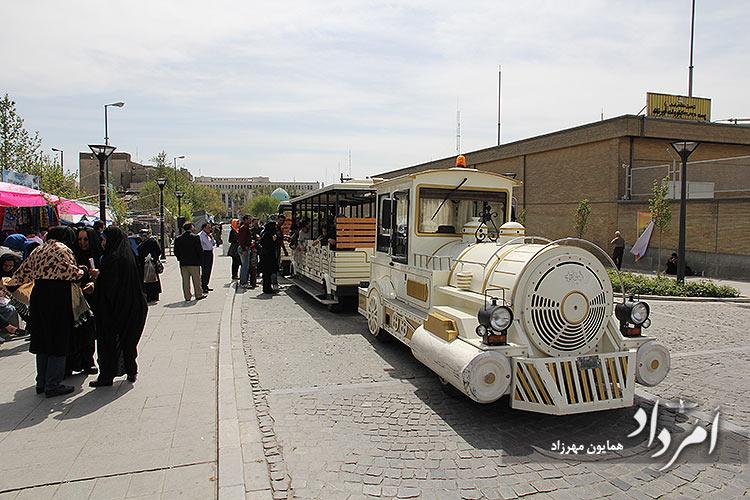 برنامه های گردشی سیاحتی نوروزی در سالهای قبل از بیماری همه گیری کرونا در میدان توپخانه-باب همایون