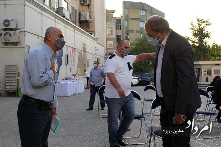 از راست: بابک سلامتی سردبیر هفته نامه امرداد و ملکیان سردبیر روزنامه آلیک