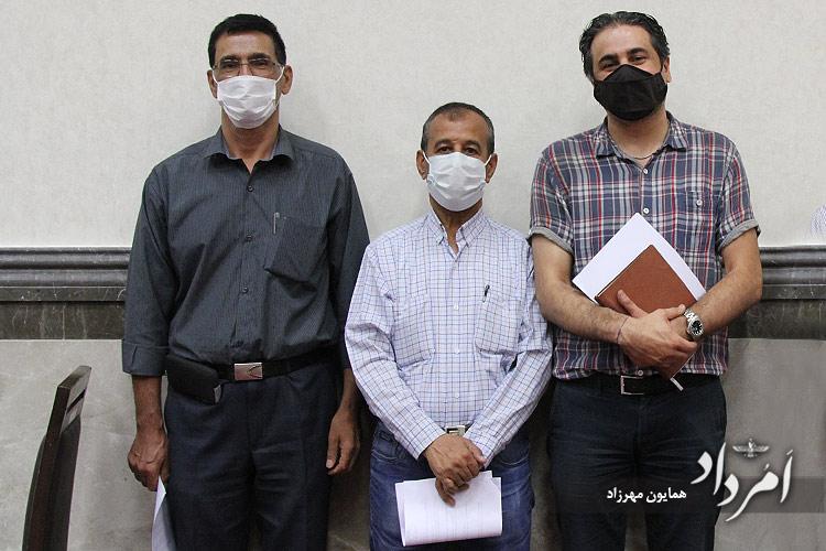 از راست: فرشادخورشیدیان، فرهاد کاویانی ، رشید مژگانی بازرسین انجمن زرتشتیان تهران